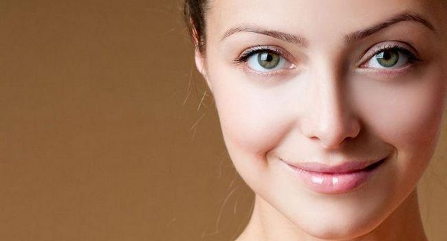 7 Способів прибрати волосся на обличчі