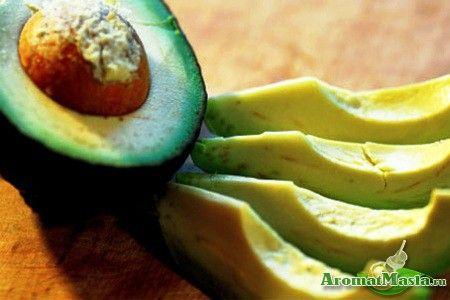 Багатий поживний склад масла авокадо для догляду за тілом