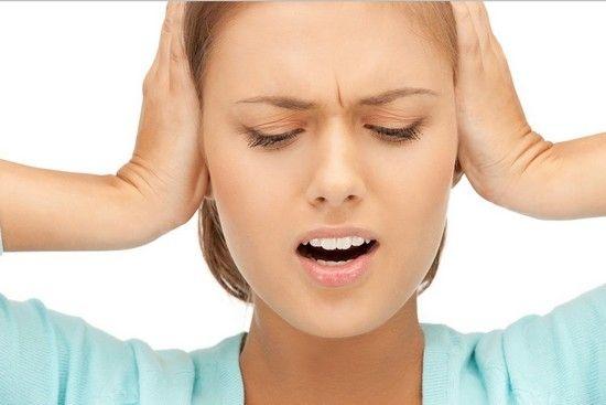 Чим лікувати захворювання вух: камфорний спирт, краплі та інші засоби