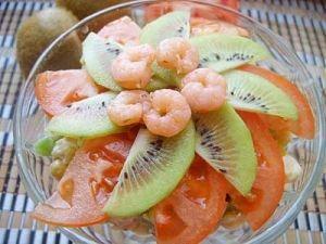 Салат з ківі і креветками