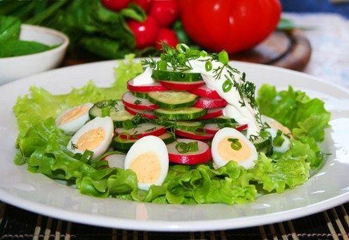 Дієтичний річний салат