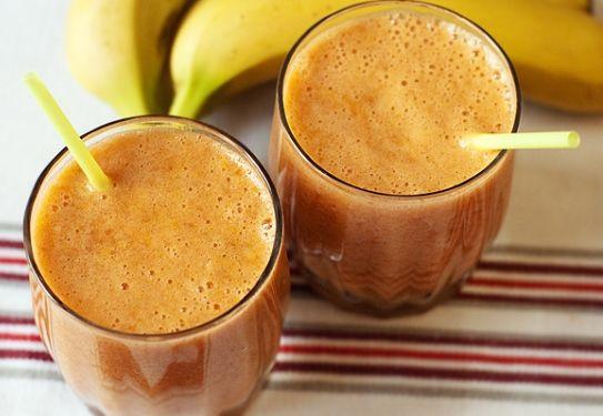 Коктейль з бананом і грейпфрутовим соком