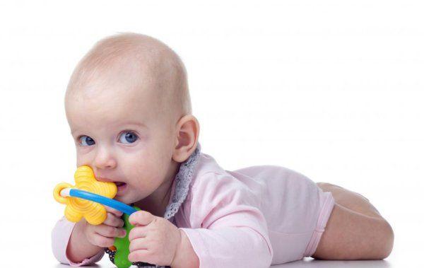 Гель при прорізуванні зубів у немовлят