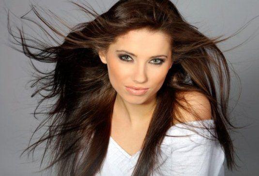 Хна для волосся: корисні властивості
