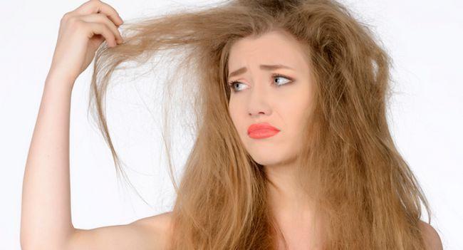 Ці неслухняні кучерики: як прибрати пухнастість волосся