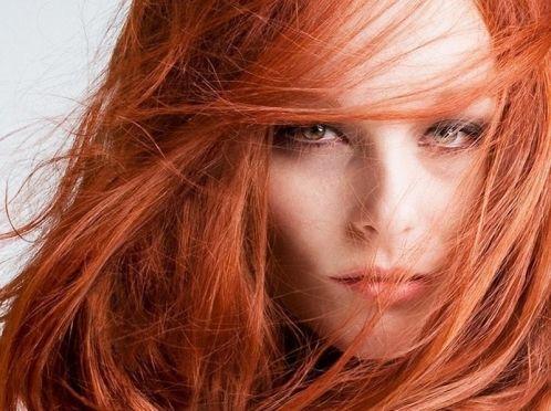 Гарне волосся яскравого кольору