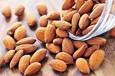 Як використовується масло з насіння мигдалю в косметології