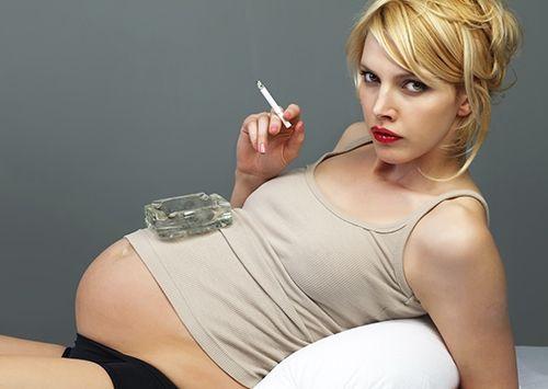 курящих жінок частіше ставиться страшний діагноз - безпліддя