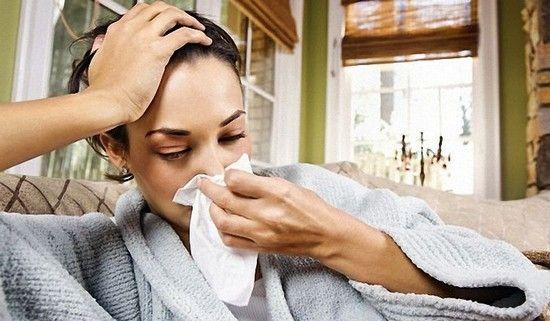 Як лікувати гайморит в домашніх умовах швидко медикаментами і народними засобами?