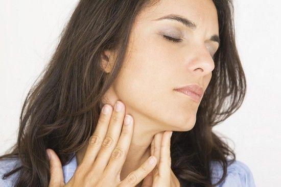 Як лікувати народними засобами першіння в горлі?