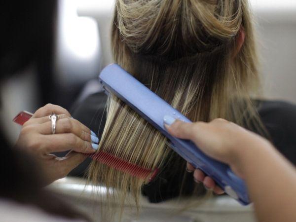 Як зробити волосся прямими?