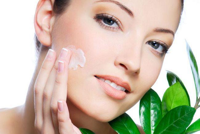 Які процедури для шкіри обличчя потрібні в твої роки?