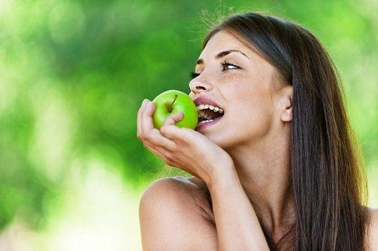Калорійність, корисні властивості зелених яблук