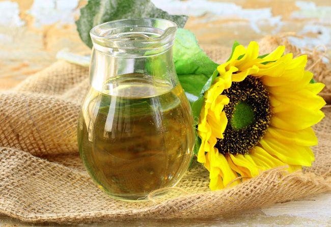 Косметичні процедури для волосся з соняшниковою олією