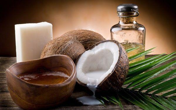 Лікування волосся кокосовим маслом