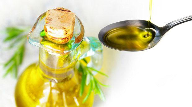 Лікування волосся оливковою олією