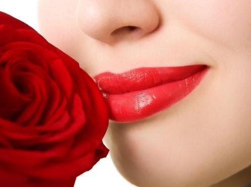 Чому обвітрюється губи