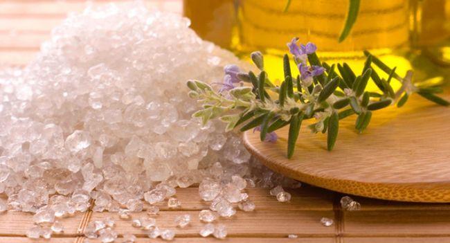 Лікуємося сіллю від випадіння волосся