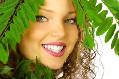 Масло чайного дерева і лимона - ефективний засіб для відбілювання зубів!