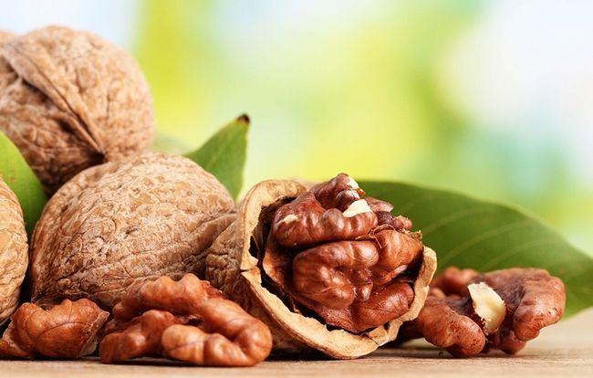 Масло волоського горіха: користь і шкода, протипоказання до застосування