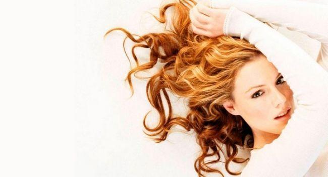 Методи видалення рижіни з волосся після фарбування
