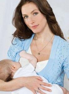 Годує мати з дитиною