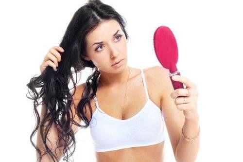Натуральні засоби проти випадіння волосся