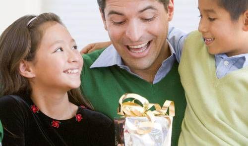 Не забуваємо батьків - вибираємо подарунок татові