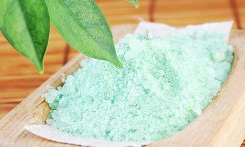 Обгортання з морською сіллю - приємний спосіб комплексного догляду за шкірою тіла.
