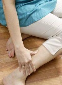 Набряки ніг при вагітності: як з цим боротися?