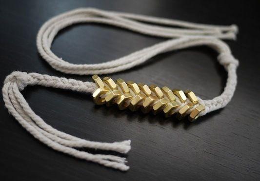 Плетіння браслетів з шнурків