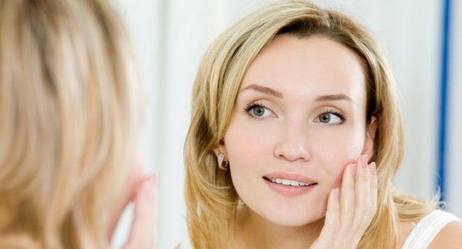 Чому набрякає обличчя у жінок?