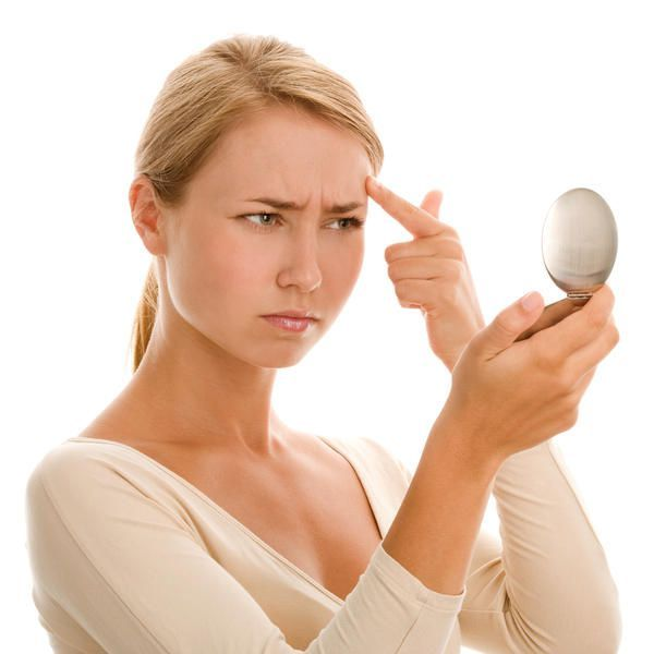 Чому з`являються болючі прищі на обличчі і як їх лікувати
