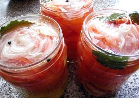 Маленькі помідори в желе на зиму
