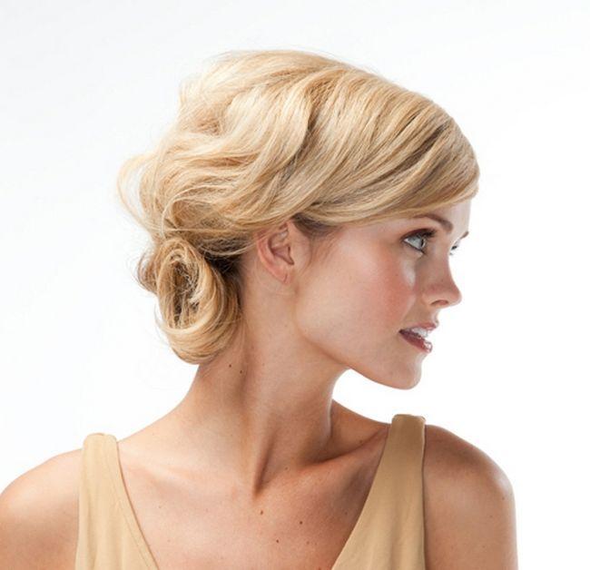 Святкові зачіски на середні волосся. Проста і ефектна укладка волосся середньої довжини
