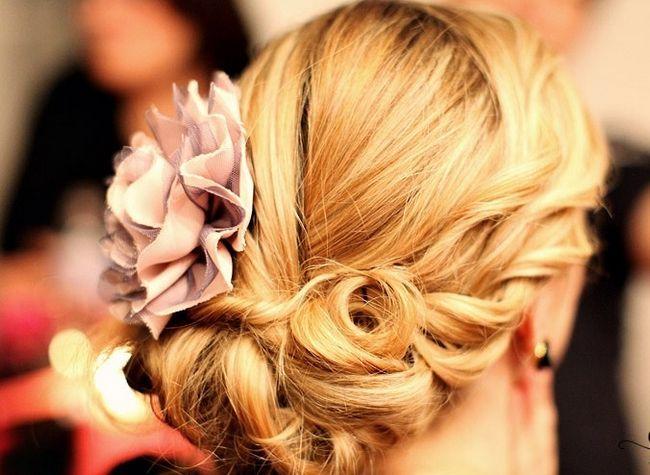 Зачіски на весілля для свідків
