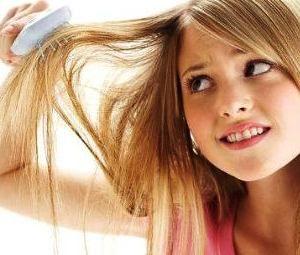 У дітей волосся може так само сильно випадати
