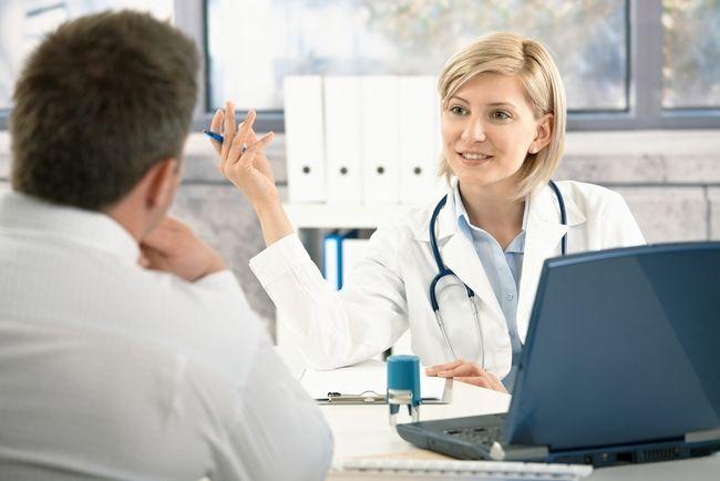 Рефлюкс-гастрит: симптоми і лікування медикаментами. Як полегшити симптоми захворювання народними засобами і за допомогою дієти?