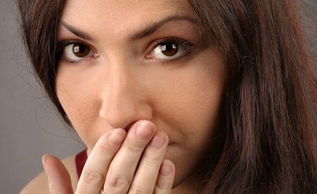 Рефлюкс езофагіт: причини, симптоми, лікування таблетками і народними засобами