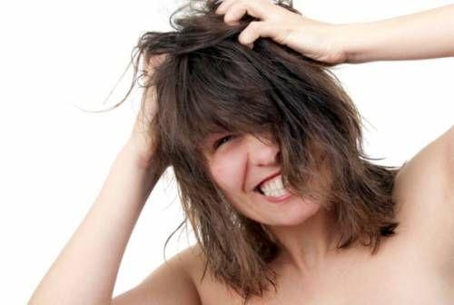 Себорейний дерматит волосистої частини голови: причини, симптоми, лікування