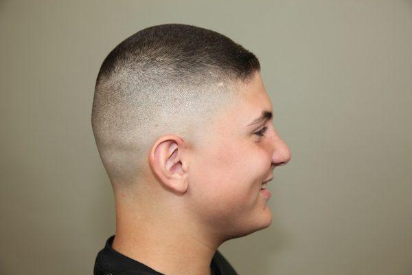 Стильні зачіски для підлітків хлопчиків