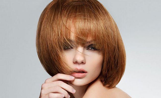Стрижка каре на середні волосся