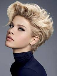 Стрижка на коротке волосся надає об`єм, фото