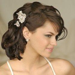 Весільні зачіски на середні волосся: вибираємо укладку для нареченої