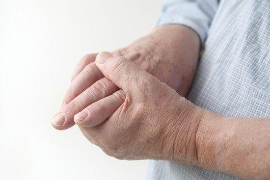 Тремор рук: причини, лікування таблетками і народними засобами