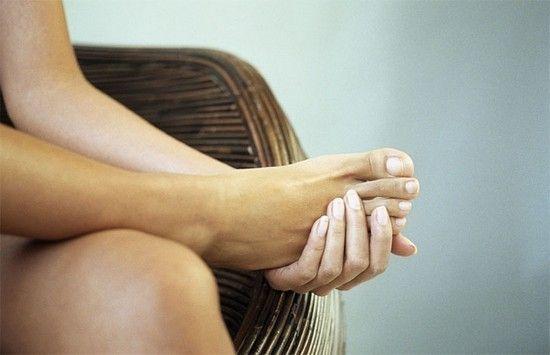 Трофічна виразка на нозі: лікування медикаментозними і народними засобами