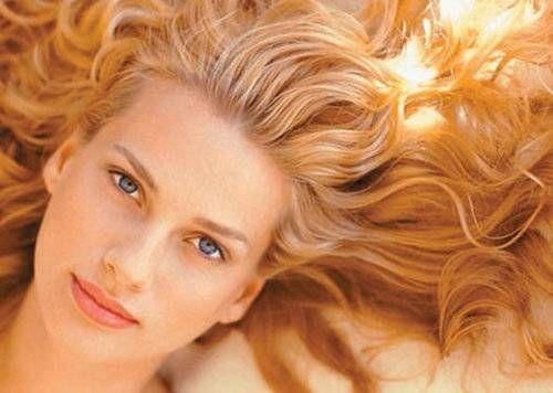 Чарівні властивості цибулиння для волосся