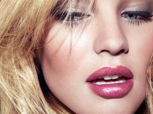 Як вдома зробити губи пухкими?