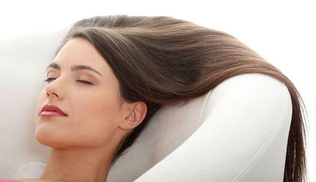 Випрямлення, нарощування, фарбування - чим вони небезпечні для здоров`я волосся?